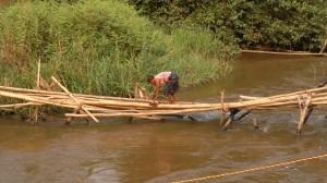 Ponte Zukuku prima dell'intervento