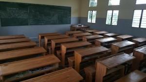 Une salle de classe de lécole primaire Kasasa (Kahemba) équipée en mobiliers